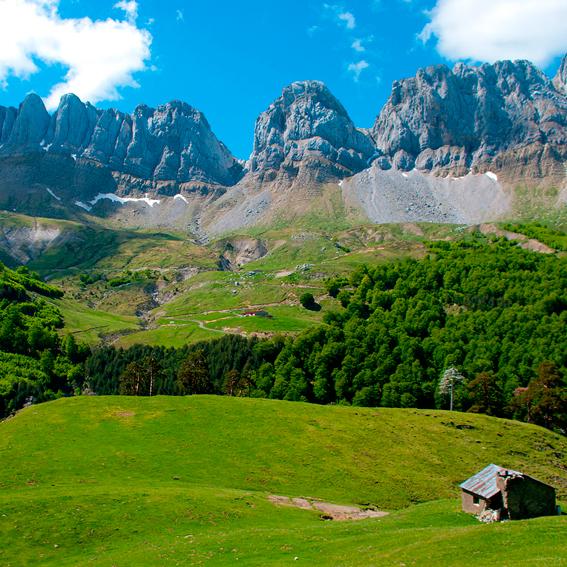 Senderismo En El Valle De Hecho Ansó Rafting Y Kayak En Pirineos Huesca